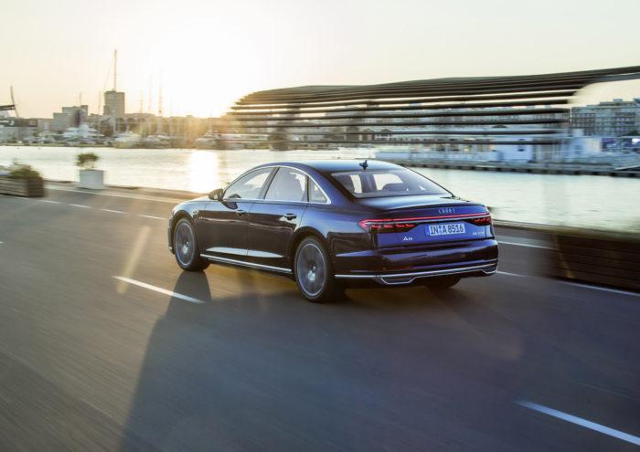 OLEDs in der Heckleuchte des neuen Audi A8